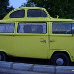 so kann man einen VW-Bus und einen Käfer auch verbinden!!! Cooool!:-)