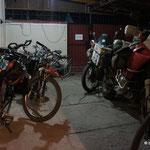 Fahrräder und Motorräer unser Freunde.