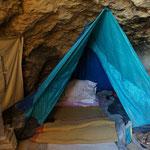 Schlafplatz in der Höhle