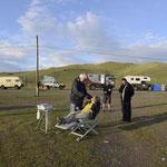 """Beim Zahnarzt vor der Mongolischen Grenze..weitere Patienten sind schon im """"Wartezimmer"""" beim Anstehen mit starken Zahnschmerzen..:-)"""