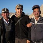 Kirgisen lieben es fotografiert zu werden und stehen gerne bereit!