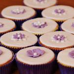 Matching cupcakes bij Bruidstaart