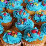 Feestelijke cupcakes voor het feestje van mijn zoon