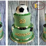Voetbal taart voor PSV'er Hector Moreno