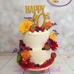 40 jaar.. semi-naked met bloemen en fruit