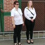 unsere neuen Majestäten. rechts Johanna Bargfrede Königin, Petra Röbe-Oltmanns Erntemeisterin