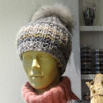Mütze aus Olympia-Wolle im leichten Rechts-Links-Muster gestrickt