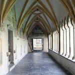 Kirchenbilder Bozen - Kreuzgang vom Franziskanerkloster