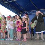 """Les enfants ont chanté """"le trufiau"""" avec une Maria déchaînée."""