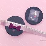 [スタンドカラー・ブローチ〜like a Rose]エミリーが首元につけていたリボン・チョーカーへのオマージュ。薔薇色の絹リボン、薄まった赤い水たまり、雨粒のリボン……