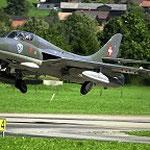 J-4205 / HB-RVP bei Hunter Flying Group