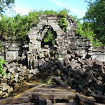 The amazing overgrown ruins of Beng Melea