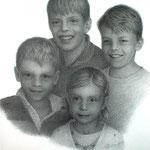 D.s Enkelkinder  2010  0.70x1.00, Graphit auf Papier