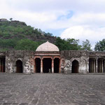 2004  Daulatabad Fort ; photo by Sher DiMaggio