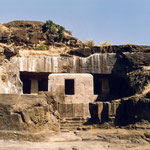 Jain Caves : photo by Anthony Zois