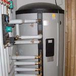 Optima 800 Frischwasserspeicher mit  Pelletskessel und 2 CPC 45 Röhrenkollektoren