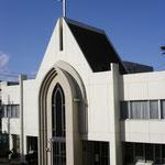 1983年(昭和58)7月16日、現在の会堂を献堂