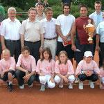 Gruppenbild der Verantwortlichen, Ehrengäste und Turnierkinder