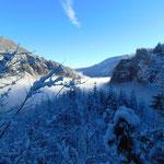 Weiter durch die traumhafte Winterlandschaft