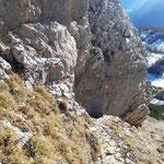 Hier ist Vorsicht beim Abstieg geboten, die Seilversicherungen sind aber eine sehr gute Hilfe