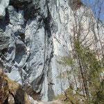Auch am Rückweg war die Felswand ein einziger Blickfang