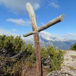 Beim Gipfelkreuz der Kleinen Scheibe angekommen