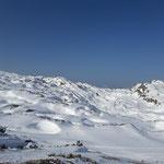Ich konnte mich einfach nicht zurückhalten und musste ein weiteres Foto der unendlichen Schneelandschaft machen