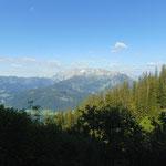 Ausblick auf das Tennengebirge, welches den Großteil des Weges gegenüber liegt