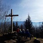 Am Gipfel angekommen bietet sich der traumhafte Ausblick