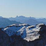 Und auch der Gosaukamm mit dem davor gelegenen Loser Gipfel bietet einen eindrucksvollen Anblick