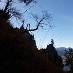 Blick zurück beim Abstieg - noch einmal ist der Gipfelbereich zu sehen