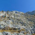 Wegverlauf unter den Felswänden des Traunsteins