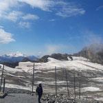 Am Gletscher angekommen genießen wir noch einmal den Blick Richtung Großvenediger