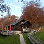Bei der Mollner Hütte mit ihrer idyllischen Sonnenterrasse machten wir einen ersten Zwischenstopp