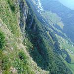 Ausblick über die Felswand des Schiefersteines