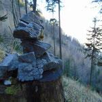 Ein paar Steinmännchen weisen den Weg