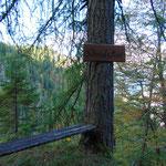 Schreiad'n Mau - eines der markierten Rastplätzchen am Weg zur Bärenalm