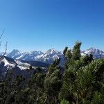 Ausblick am Kamm zwischen Astein und Wasserklotz