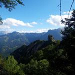 Bei der Weiterwanderung zum Schwarzkogel zeigt sich der Wildererblick von seiner spektakulärsten Seite
