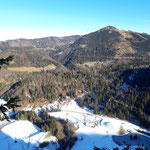 Ausblick am Gipfel auf die Berge des Hengstpasses