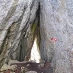 Durch die Höhle hindurch