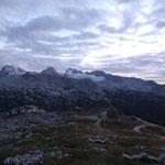 Blick auf den Gletscher bei Dämmerung