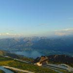 Ausblick auf den Wolfgangsee und dessen umliegendes Gebirge