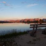 Leuchtender Sonnenaufgang am Spiegelsee