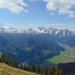 Ausblick auf Dachstein Gletscher und Gosaukamm