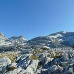 Hier nun einfach ein paar Landschaftseindrücke von der traumhaften Felslandschaft, die wir die nächste Stunde lang durchqueren
