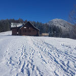 Grünburger Hütte - dahinter liegt das Tagesziel