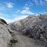 Wegverlauf zwischen den Felsen
