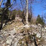 Steile Felspassagen vor dem Gipfel