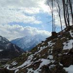 Der Blick hin zum Toten Gebirge ist während des Aufstieges wunderschön, direkt gegenüber liegt der Kleine Priel